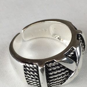 Kaki Jo's Closet Jewelry - Sterling Silver Plated X Adjustable Band Ring
